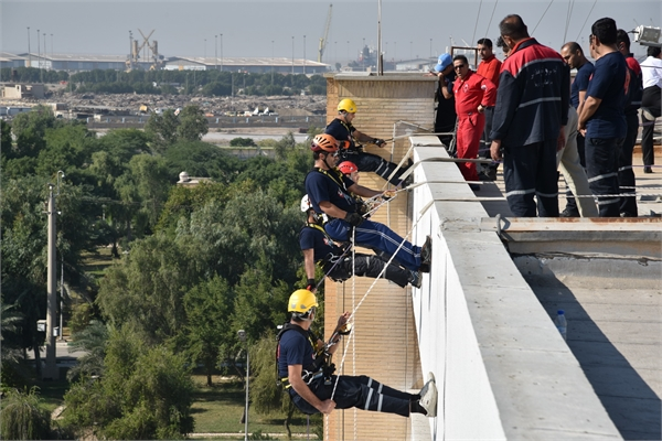 Firefighters of Imam Khomeini Port Practiced the First Maneuver of Fast Rescue